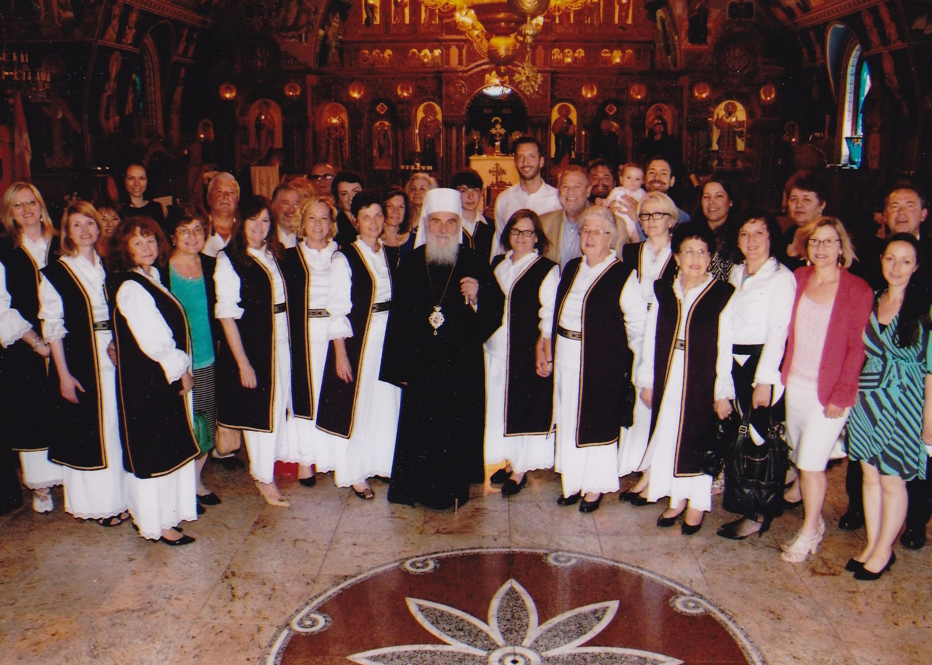 st. nicholas choir with patriarch irinej 2015